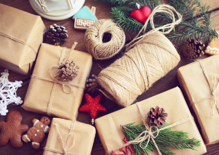 5 Holiday Gift Ideas for Surrogates and Intended Parents