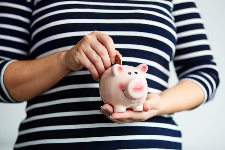 Should You Be a Compensated or Altruistic Surrogate?