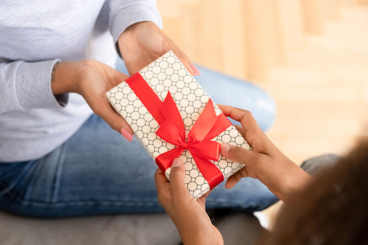 5 Gift Ideas for a Surrogate During Her Pregnancy