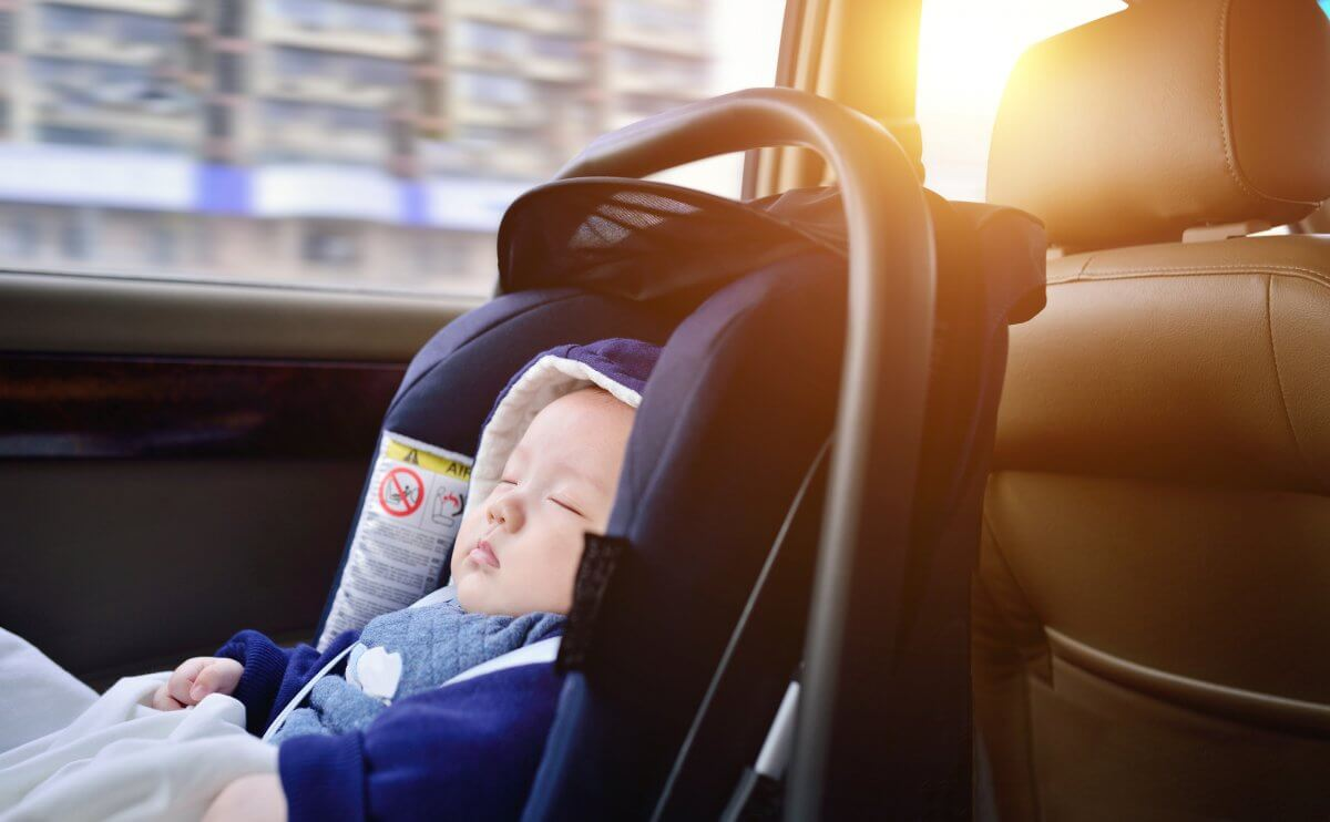 5 Tips for Traveling with a Newborn after a Surrogacy Birth
